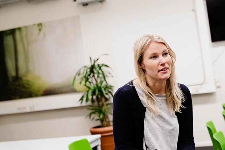Julia Hult är verksamhetsledare på Förebildarna