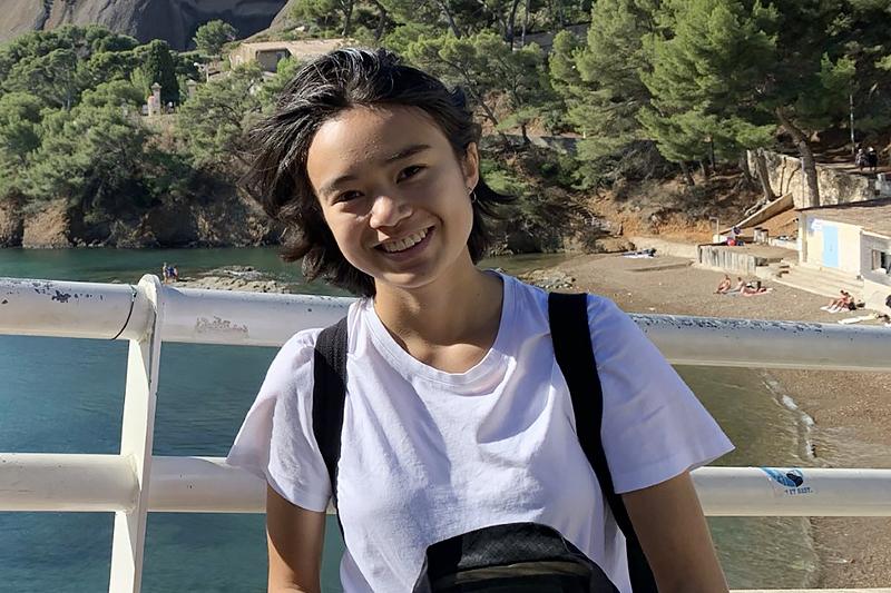 Isabel provar på livet i södra Frankrike