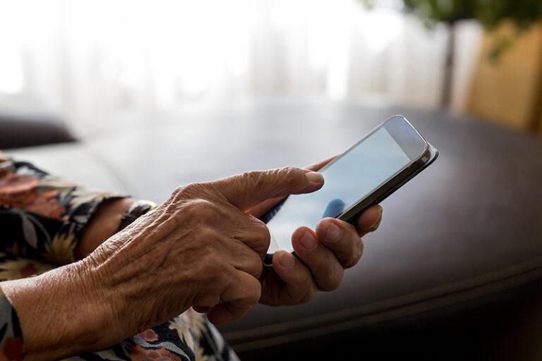 senior med mobil
